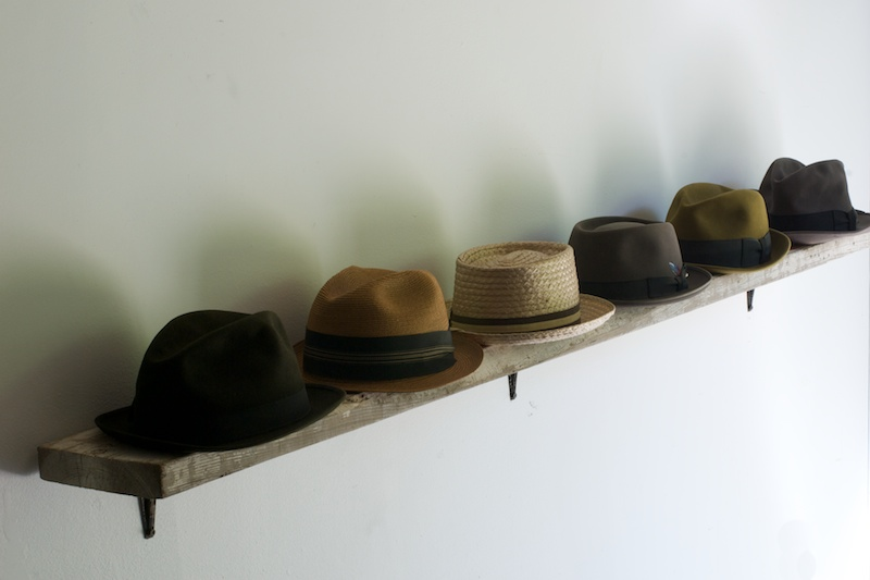 952_wall-fedora-sculpture-art-found-object3