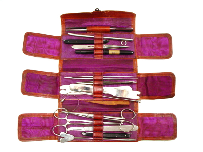 Antique-travelling-surgical-set-(viennese)-303
