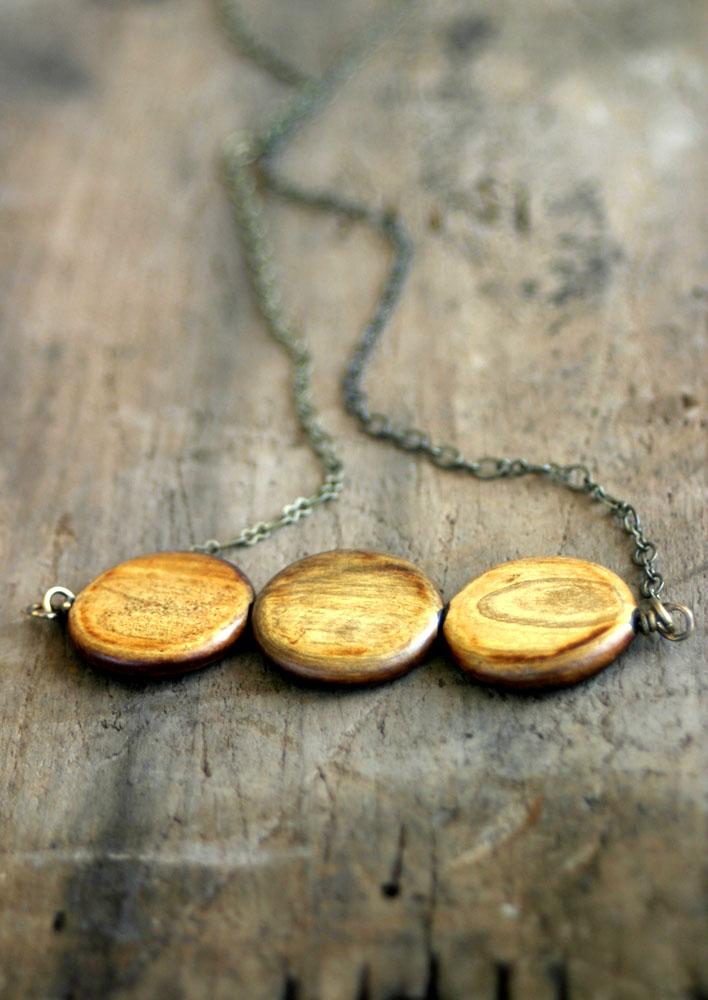 Woodbeadnecklace15